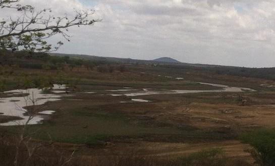 Barragem de Brotas em Afogados da Ingazeira continua seca apesar das chuvas