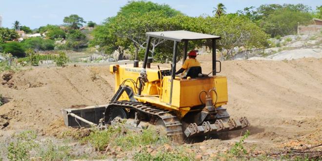 Prefeitura de Itapetim inicia construção de mais um açude