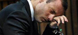 Oscar Pistorius é condenado a cinco anos de prisão pelo assassinato da namorada