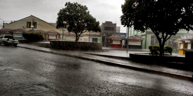 Domingo de chuva no sertão do Pajeú