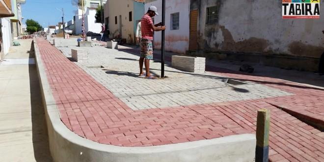 Em Tabira, Praça Sebastião Viana, em fase de conclusão