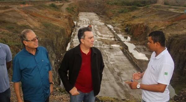 Promessa do deputado Ricardo Teobaldo não se escreve: obra da barragem de Ingazeira, parou