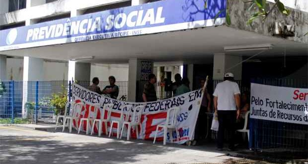 Servidores do INSS de Pernambuco decidem suspender greve