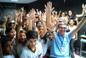 Visita: alunos de escola municipal conhecem Museu do Rádio e estúdios da Pajeú