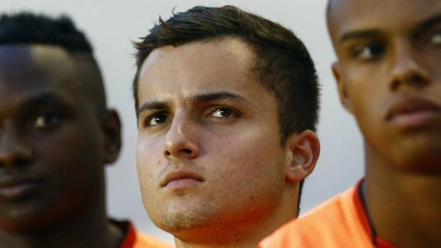 Aos 21 anos, Jean Chera encerra a carreira de jogador e deixa o Santos