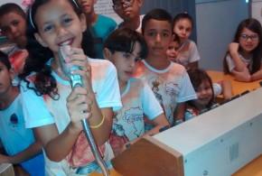 Meninos do Terço visitam Museu do Rádio