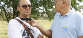 """""""Eu fiquei um tanto quanto chocado"""" – Disse Pe. Luizinho sobre a quantidade de lixo no corredor de acesso ao Rio Pajeú"""